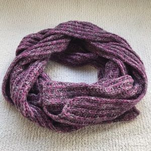Gap Purple/Pink Knitted Scarf